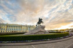 Медный всадник - достопримечательность Петербурга