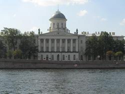 Фотографии Пушкинского дома в Петербурге