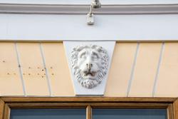 Львы на набережной Макарова в Санкт-Петербурге