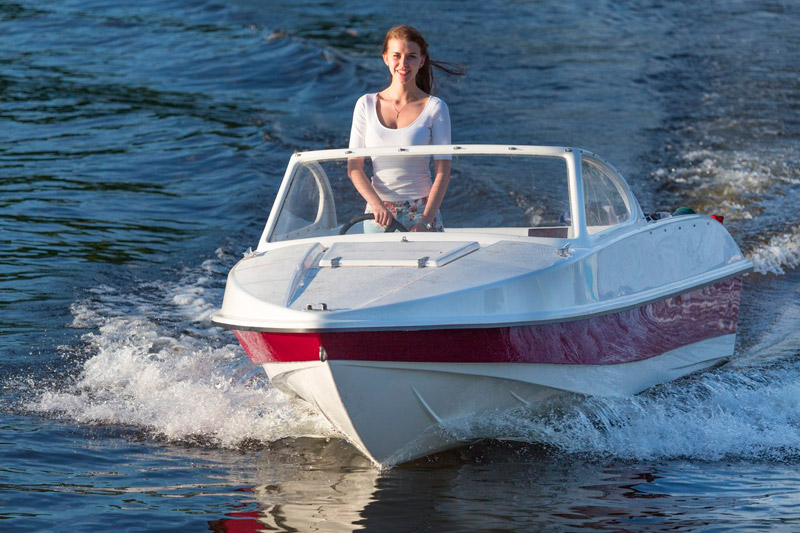 можно ли плавать по неве на лодке
